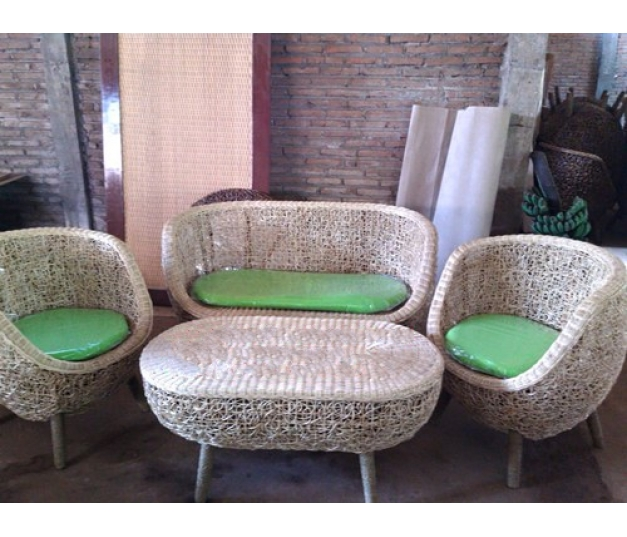 Antique rattan minimalist coffee table set